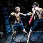 Debate en China por niños huérfanos que se enfrentan en combates de MMA