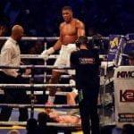Campeón mundial de boxeo va más lejos que Mayweather y propone combate en MMA