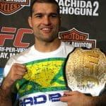 'Shogun' Rua muestra terrible lesión en el codo sufrida en UFC 255