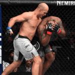 """Video: Junior dos Santos venció por KO a la """"Bestia Negra"""" Derrick Lewis"""