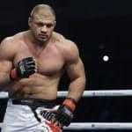 Peleador que UFC despidió y que USADA suspendió hasta 2021, peleó y noqueó en Japón