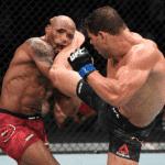 Yoel Romero y Paulo Costa protagonizaron el mejor y más polémico combate de UFC 241