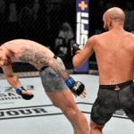 UFC 242 abrió los fuegos con espectacular KO