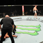UFC 251: Tenía la mandíbula fracturada pero igual noqueó a su rival