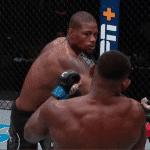 Kevin Holland noqueó y mandó a volar el bucal de su rival en UFC